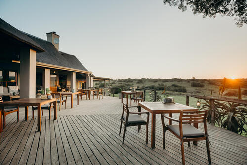Hlosi Game Lodge Outside Deck - Credit Hlosi