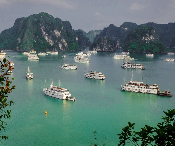 Overview of Halong Bay, busy with boats
